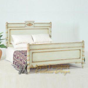 Code : British - BLBQ-M Bed Queen Size